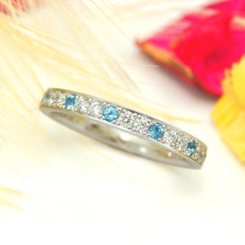 クリスマスの夜に贈るエタニティリングの婚約指輪