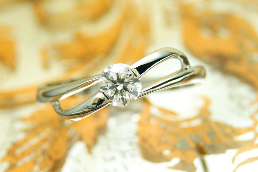 人気の婚約指輪のデザインソリティア