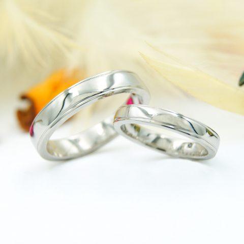 プラチナの太めの結婚指輪