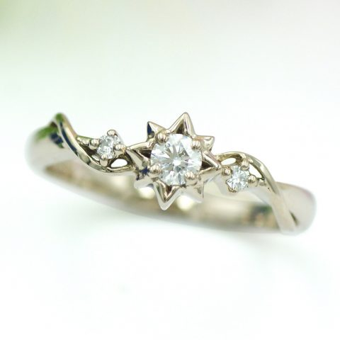 星をモチーフにしたサイトストーンの婚約指輪/kazariyaYui福島県郡山市