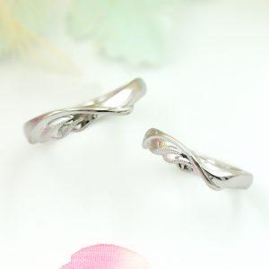 幸せの羽モチーフの結婚指輪/kazariyaYui福島県郡山市