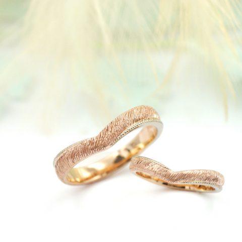 Vラインに北欧テイストを入れた結婚指輪/kazariyaYui福島県郡山市