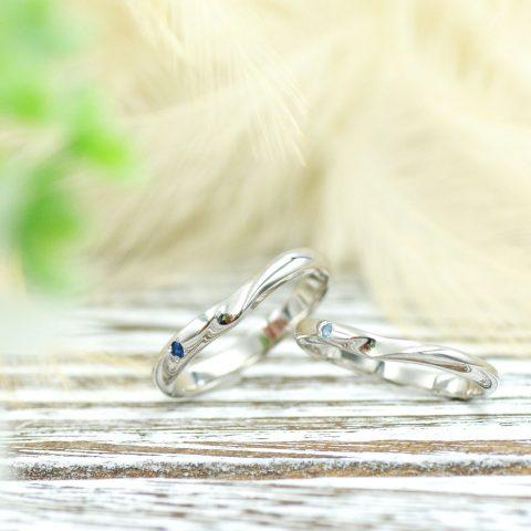 優しい印象のVラインの結婚指輪/kazariyaYui福島県郡山市